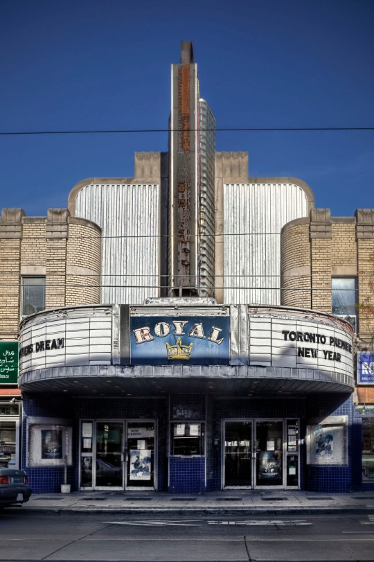 TheRoyal front