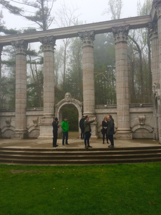 second day: all the dramatic columns